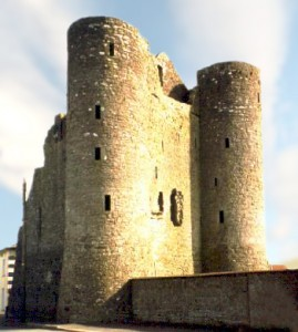 Nugent Castle, Delvin, County Westmeath, said to have been built by Hugh de Lacy in the 12th century for his brother-in-law, Sir Gilbert de Nugent. Gilbert later built his own castle nearby at Clonyn, which was burnt down during Cromwell's wars.