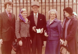 Awarded the CBE in 1976, Oliver with family (from left) Nicholas, Ann, Mary and Caroline.
